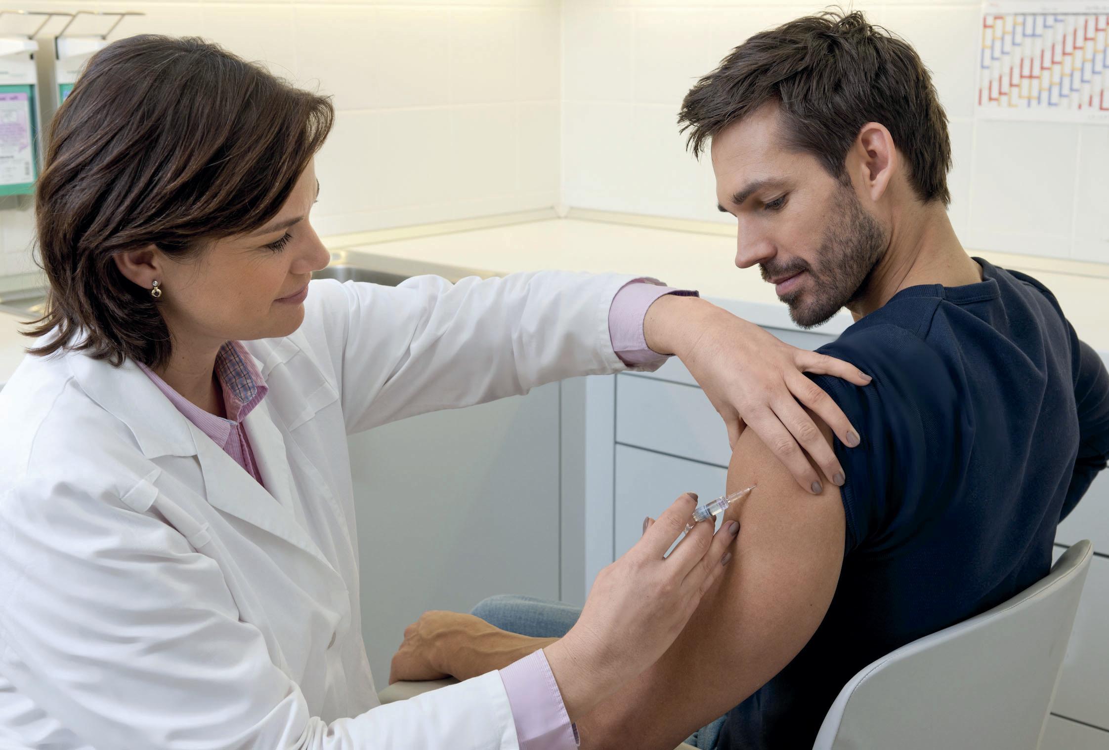 Eine erfolgreiche Hepatitis-B-Impfung schützt auch vor einer Hepatitis-D-Infektion.