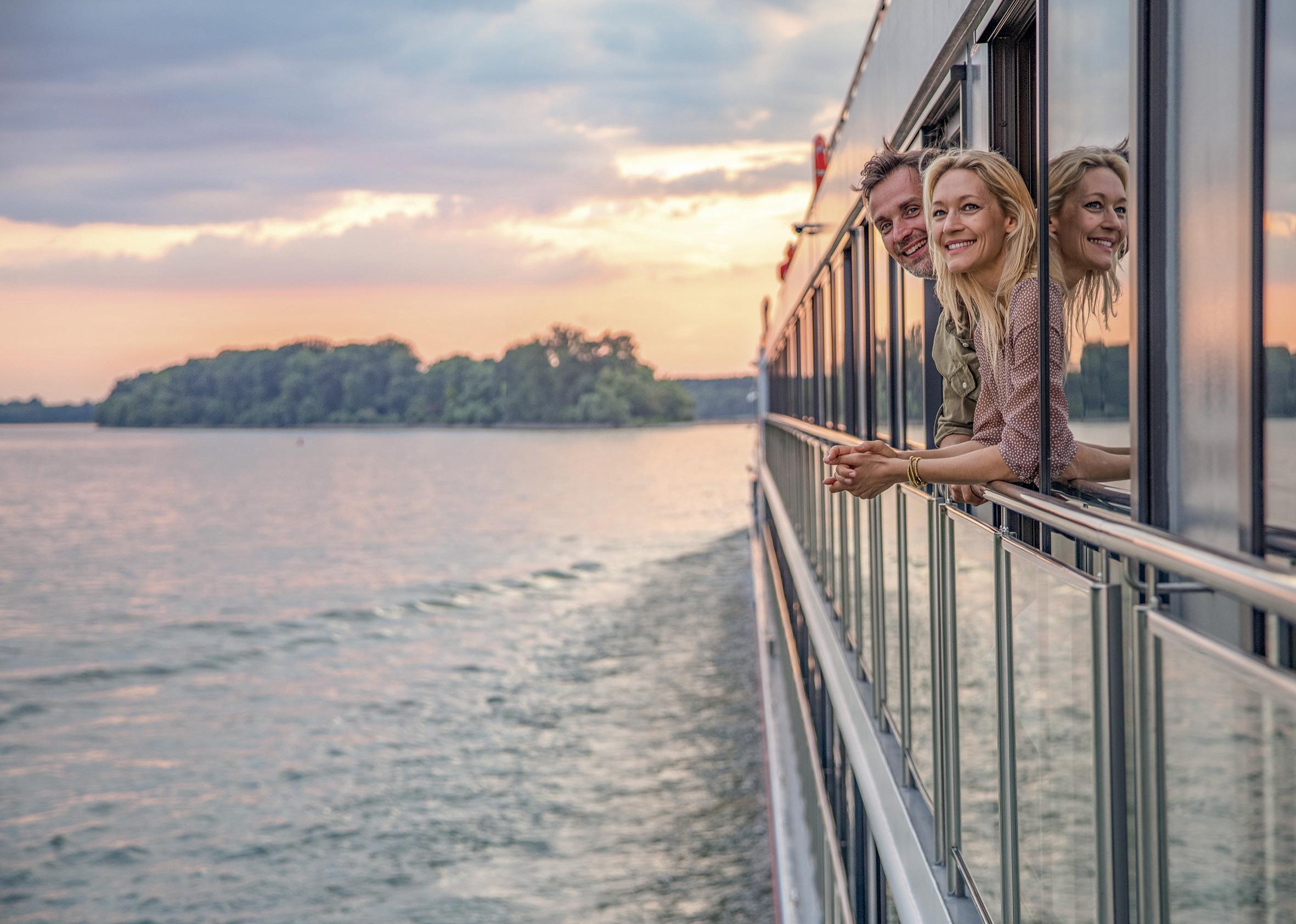 Gemeinsam die Welt entdecken. nicko cruises bietet auf 31 Gewässern in 24 Ländern eine große Routenvielfalt.